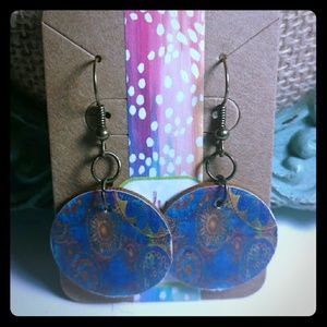 Jewelry - Blue with gold pattern earrings